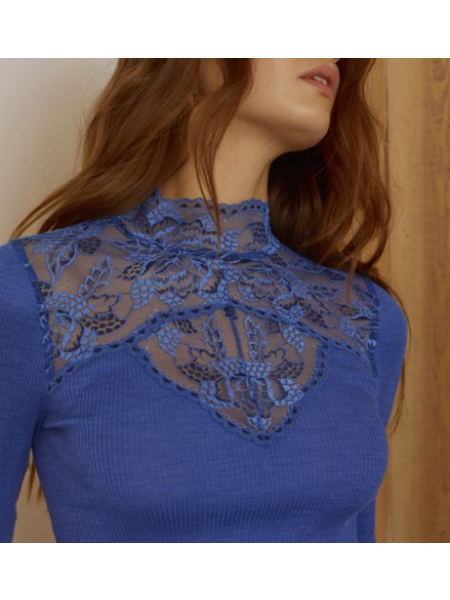 Oscalito Top # 5614 in Wol and Silk, lace Details Size small/medium in Blue