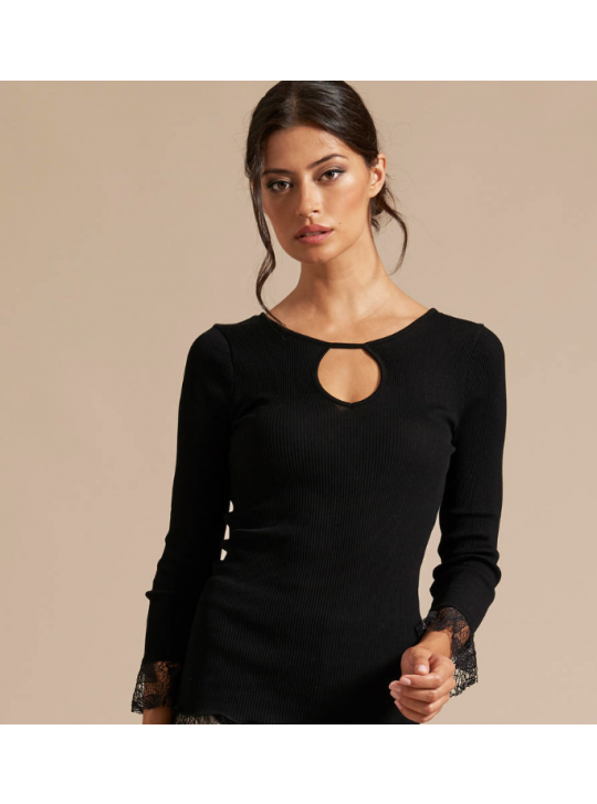 Oscalito 5776 Black cotton top with lace details. Small